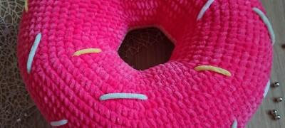 Как сделать вязаные подушки — пошаговая инструкция