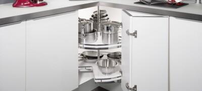 Особенности угловых шкафов на кухне