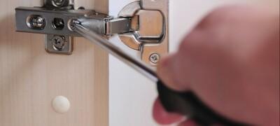 Особенности доводчика для кухонных шкафов