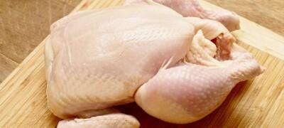 Размораживаем курицу в микроволновке или без нее