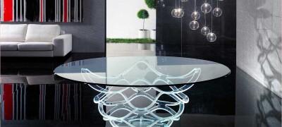 Как и с чего можно сделать стеклянный стол