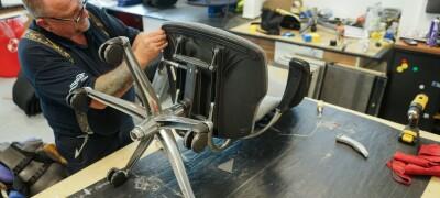 Перетяжка компьютерного кресла своими руками