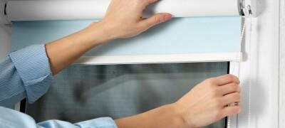 Как правильно стирать рулонные шторы