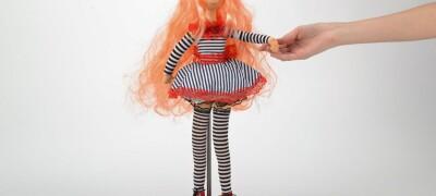 Изготовление подставки для куклы своими руками