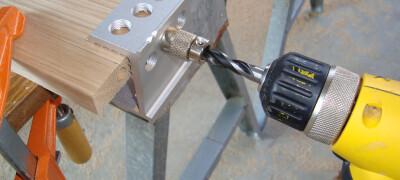 Как сделать отверстия под мебельные петли