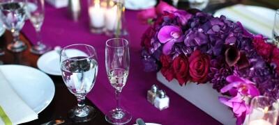 Правила и способы украшения стола в домашних условиях