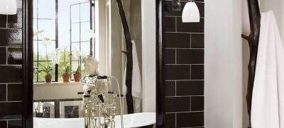 Большое зеркало над ванной — для чего нужно, как выбрать и установить