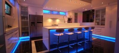 Делаем подсветку под шкафами на кухни из светодиодов