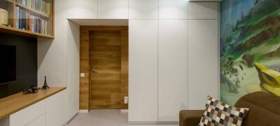 Особенность шкафа вокруг дверного проема