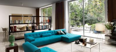 Описание и сочетание дивана бирюзового цвета