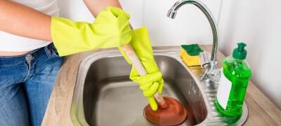 Как убрать засор в раковине
