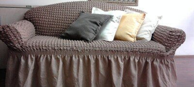 Разновидности и описание тканей для чехлов на диван — какую лучше выбрать