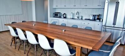 Изготовление кухонного обеденного стола своими руками