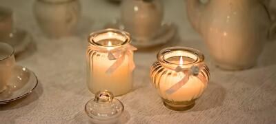 Чем и как удалить воск от свечи с мебели