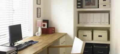 Выбор и установка стола вдоль окна