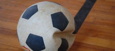 Правила и особенности ремонта футбольного мяча в домашних условиях