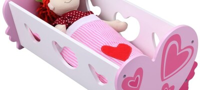 Как сделать кровать для куклы своими руками