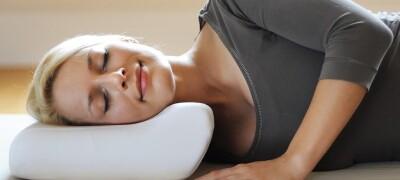Особенности выбора и использования ортопедической подушки