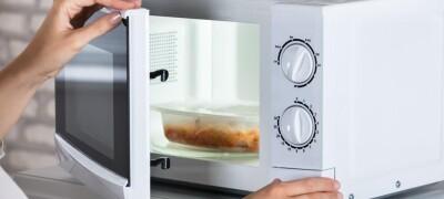 Почему микроволновка не греет еду и как решить эту проблему