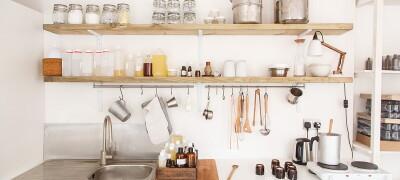 Шкафы и полки для кухонной мебели
