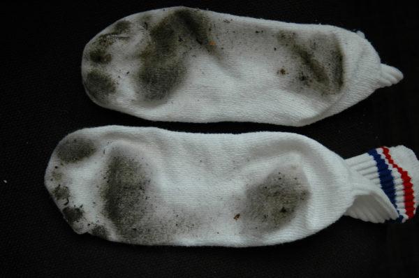 Как отстирать белые носки, вопрос волнующий многих любителей чистых светлых вещей.