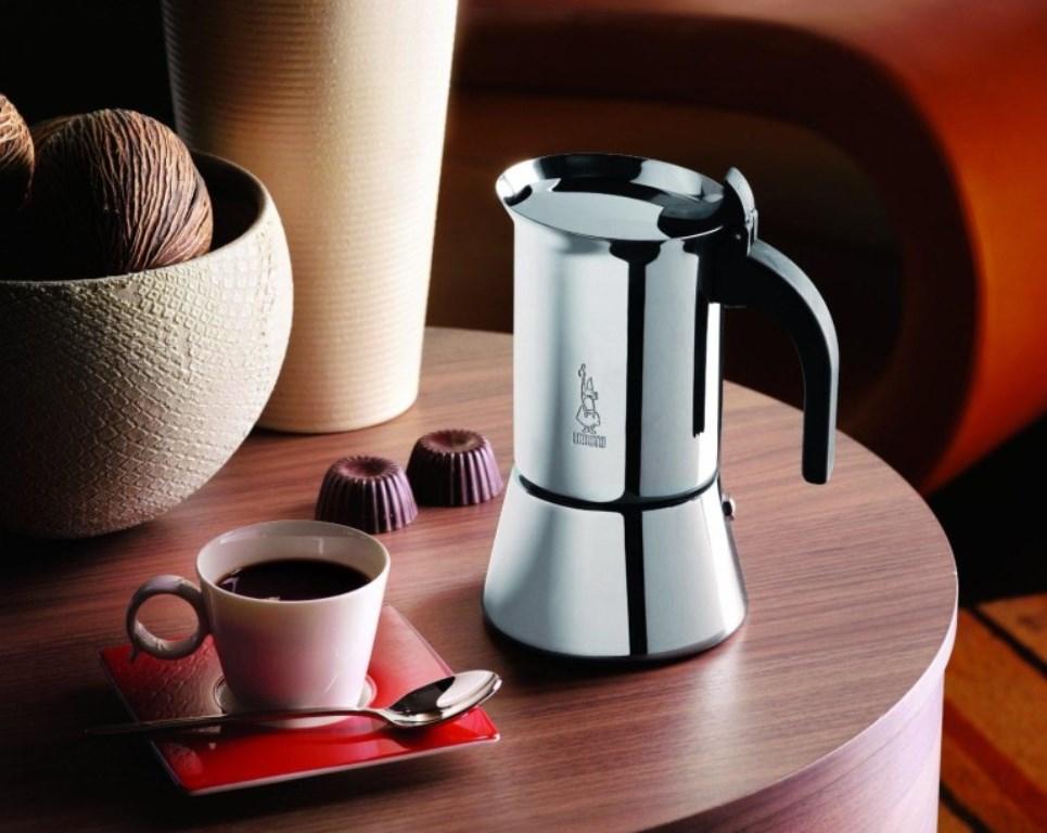 кофеварка гейзерная для кухни