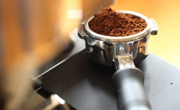 Приготовить вкусный бодрящий напиток можно не только в турке, но и в кофемашине.