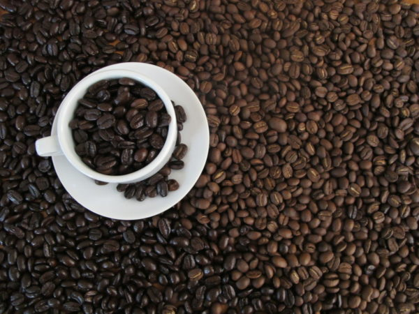 Зато, меньшее содержание кофеина в арабике компенсируется более насыщенным ароматом.