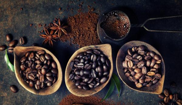 Выбирая напиток для домашнего приготовления, гурманы отдают предпочтение смеси арабики и робусты.