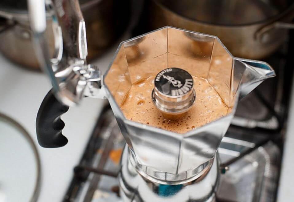 кофеварка гейзерная с капучинатором