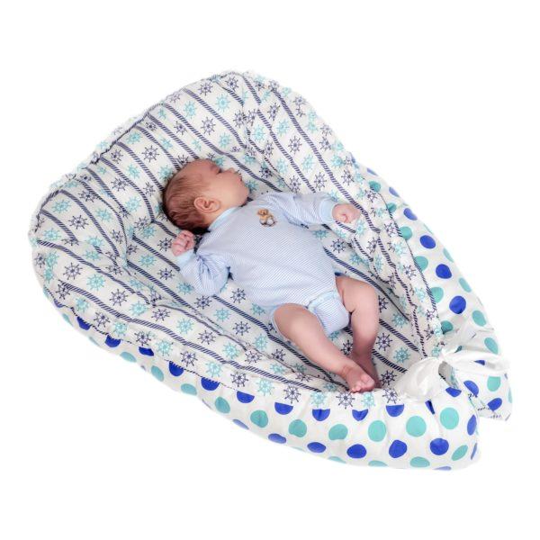 Для начала отрегулируйте размеры устройства точно по габаритам малыша.