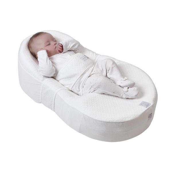 Такое изобретение, как «кокон» помогает только что родившемуся малышу чувствовать себя комфортно, а родителям обеспечивает спокойствие.