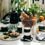 красивая сервировка стола декор идеи