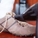 прогреть кроссовки феном