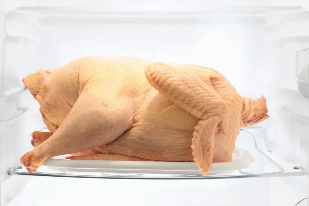 курица в холодильнике