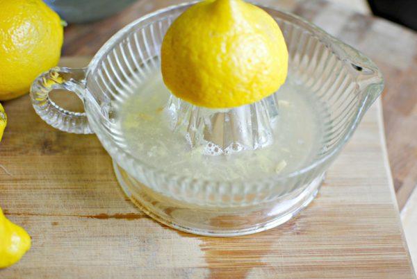 Лимонный сок – отличный природный отбеливатель