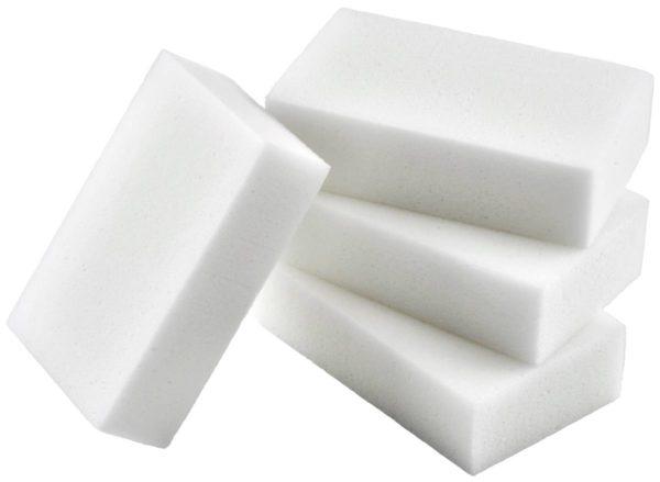 Внешне меламиновые губки ничем не отличаются от поролоновых мочалок для мытья посуды или уборки.