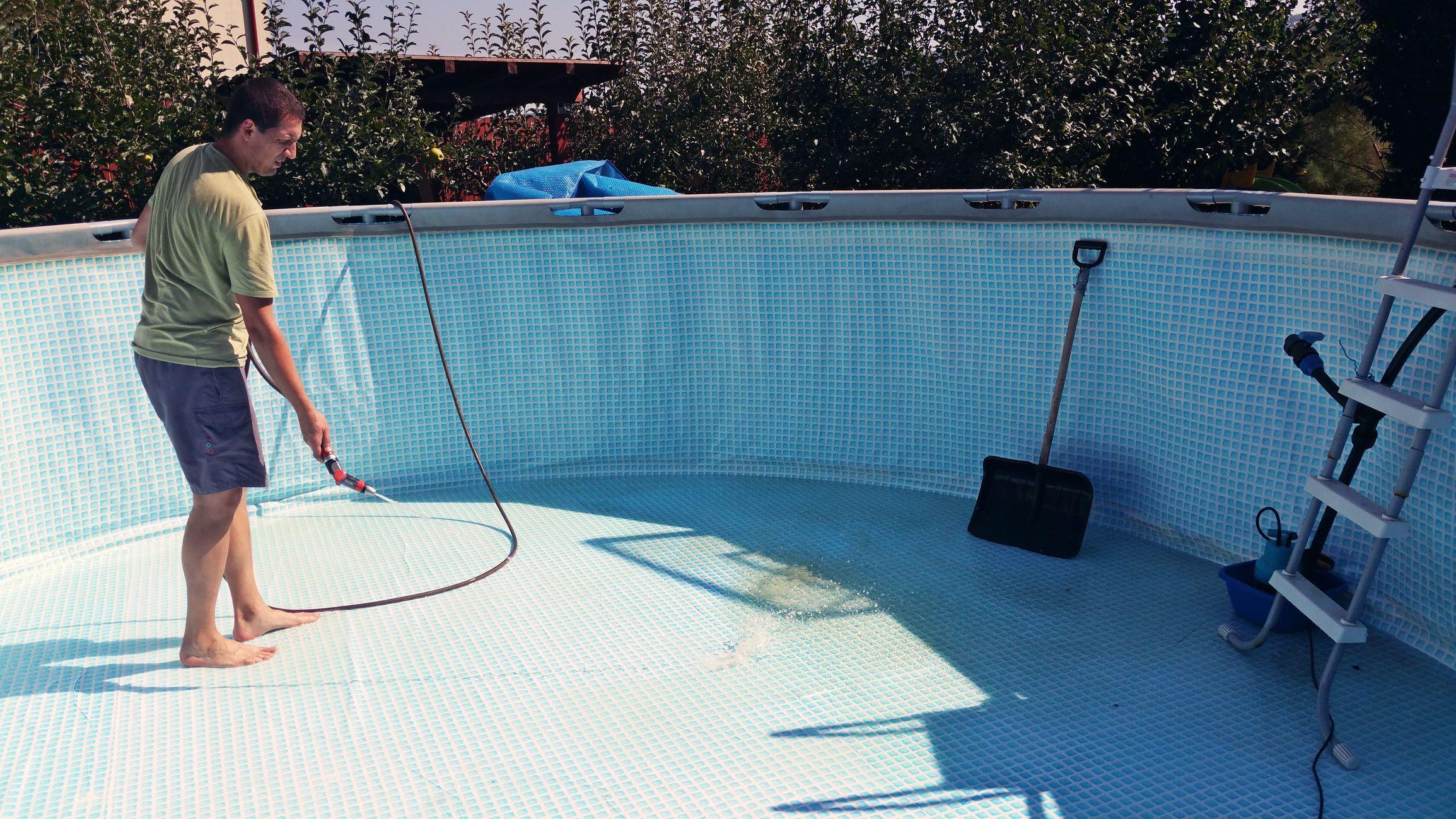мытьё каркасного бассейна