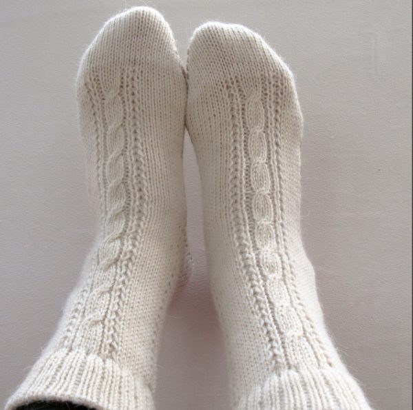 Выполняя стирку шерстяных носочков можно воспользоваться лишь некоторыми методами, чтобы ликвидировать с них грязь.