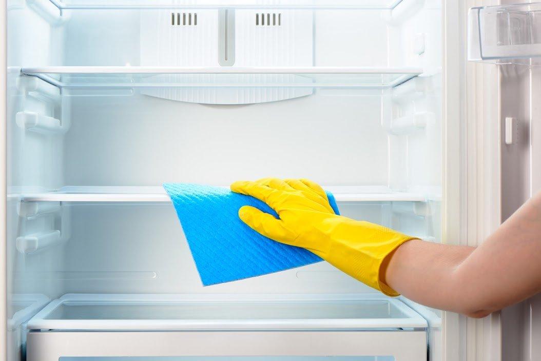 промыть новый холодильник