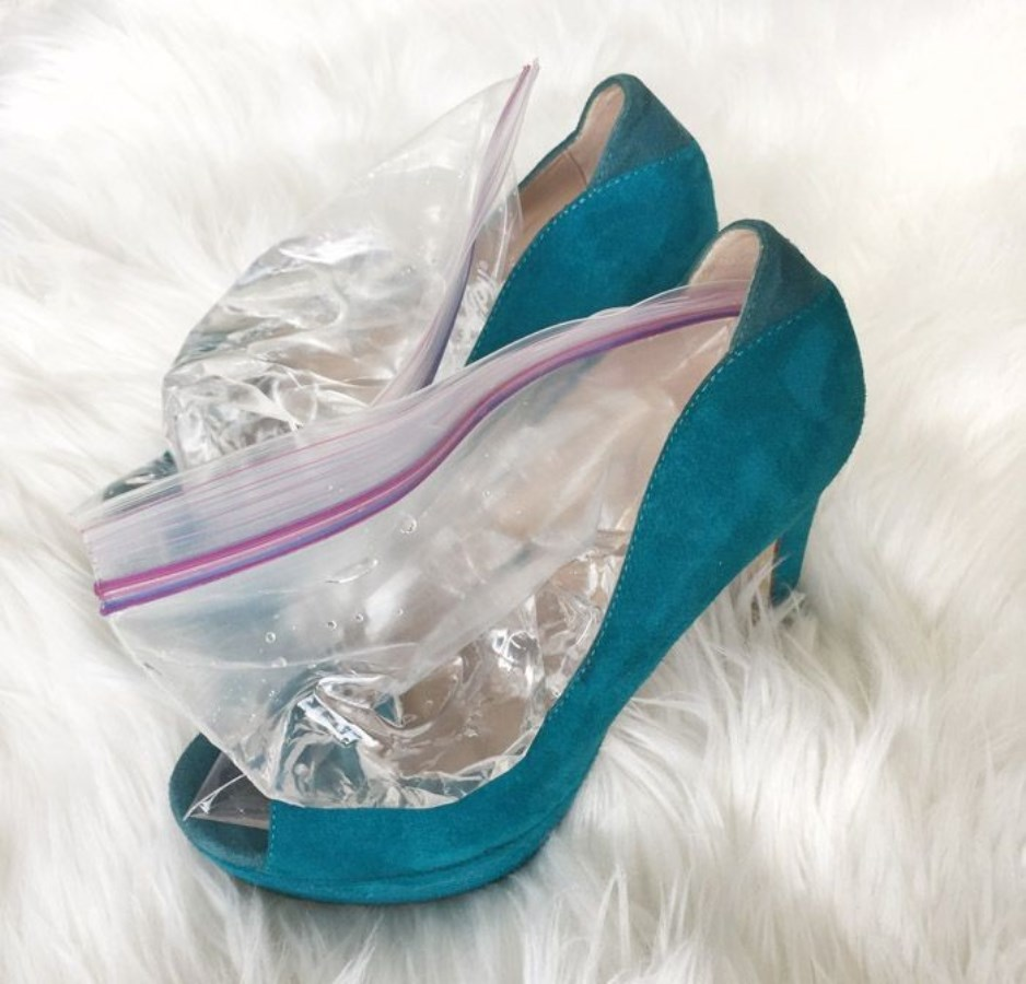 растянуть обувь заморозкой