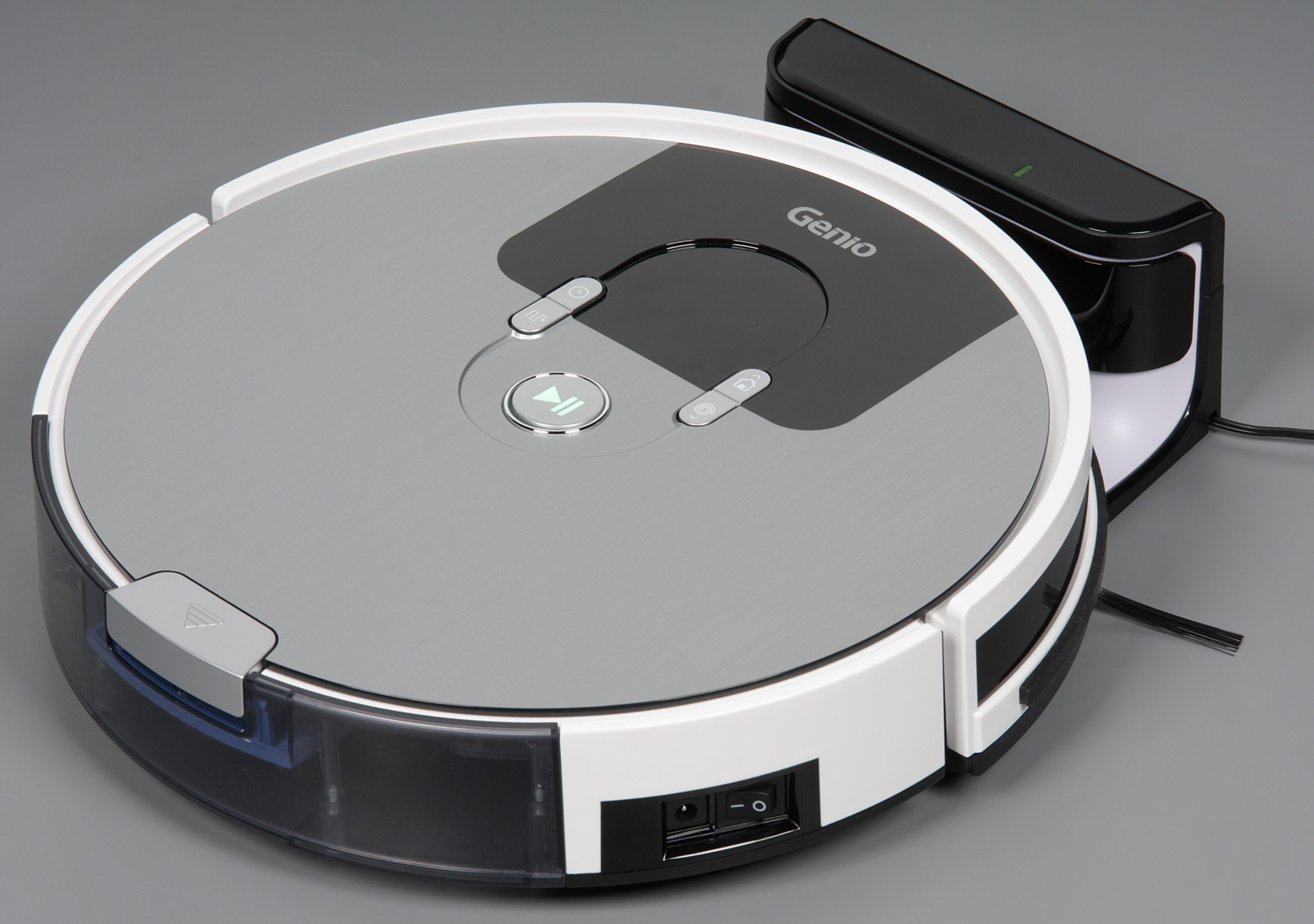 робот пылесос Genio Deluxe 500