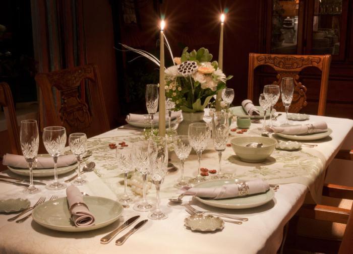 Как красиво накрывать праздничный стол