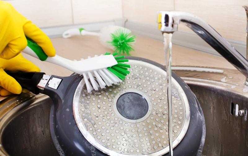 сода для чистки посуды