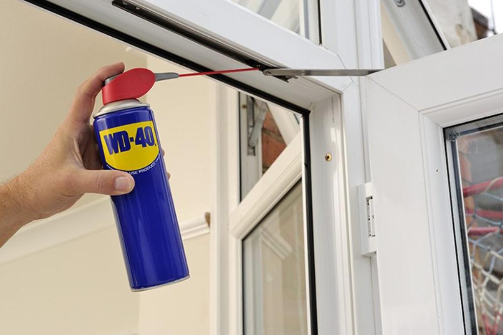 спрей для смазки окна