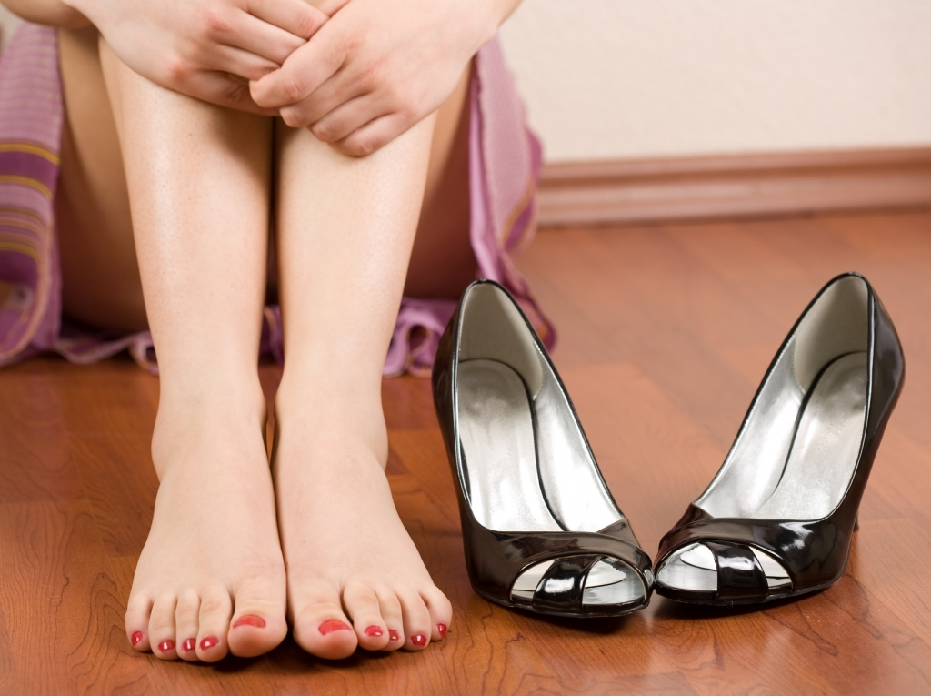 тесные туфли