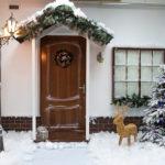 украшение входной двери и крыльца