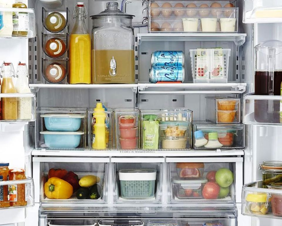 как устранить запах в холодильнике