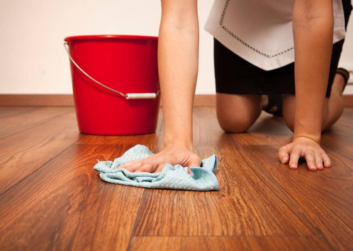вымыть пол