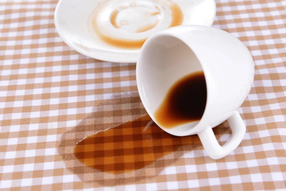 чай на скатерти